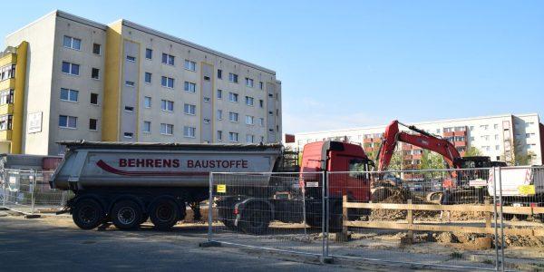Einfahrt in die Baustelle …